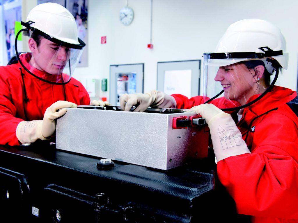 audi batterieentwicklung 2012 1 - Batterieentwicklung: Der Antrieb der Zukunft made by Audi