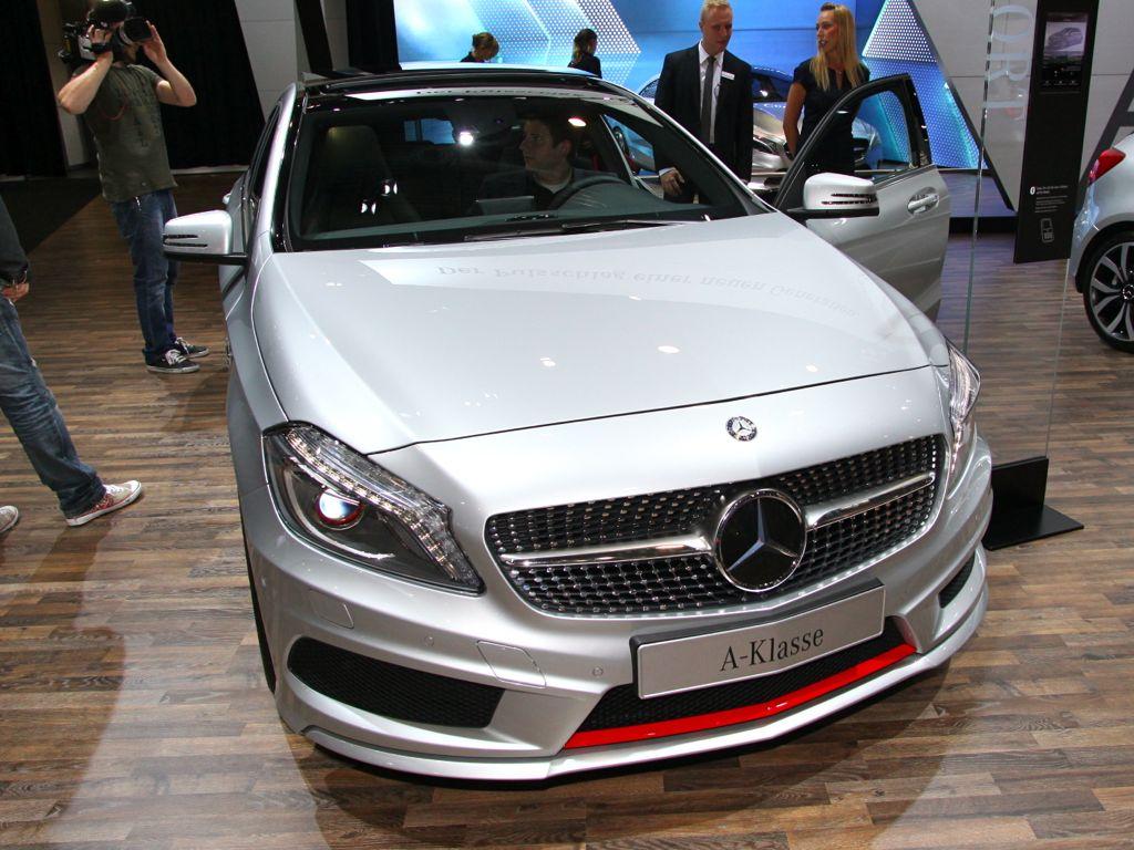 neue mercedes a klasse in genf 20121 - Mercedes zieht in Genf 2012 die Blicke auf seine zwei neuen Modelle