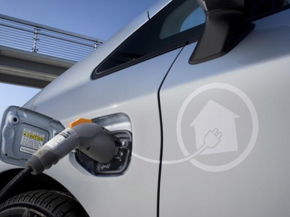 Toyota gibt den Preis für den Prius Plugin-Hybrid bekannt