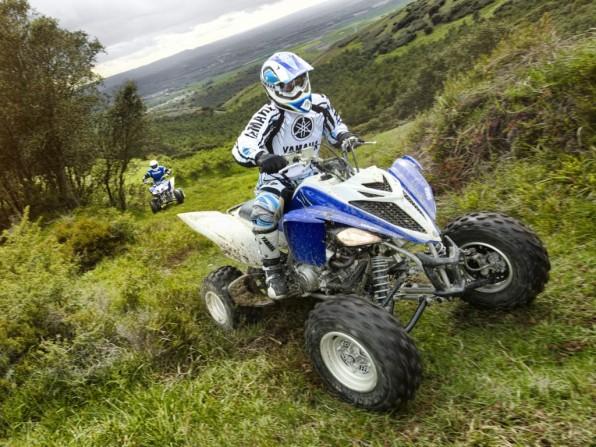 Das neue ATV Yamaha YFM 700 R ist ab einem Preis von 8895 Euro zu kaufen, die SE-Ausführung ist erst ab Ende August lieferbar, der Preis beträgt 9195 Euro in der Basisausstattung.