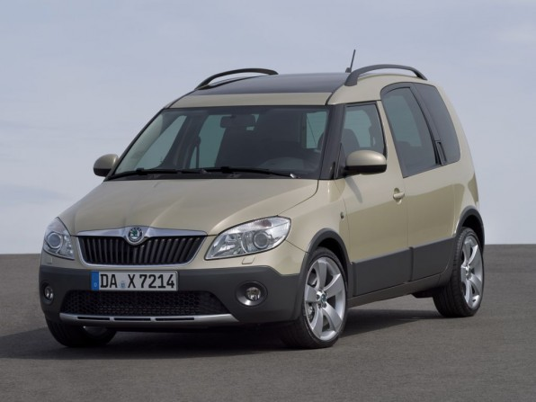skoad roomster scout mj2012 img 02 596x447 - Skoda Roomster Scout (2012)