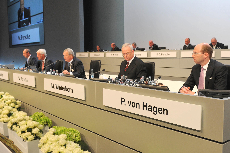 VW übernimmt Porsche schon im August