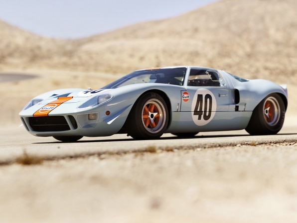 1968 Ford GT40 GulfMirage Lightweight Racing Car Bild 07 596x447 - 1968 Ford GT40 Gulf/Mirage Lightweight Racing Car