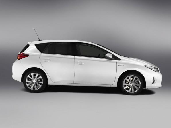Toyota Auris (2013) - Dach um 55 Millimeter abgesenkt
