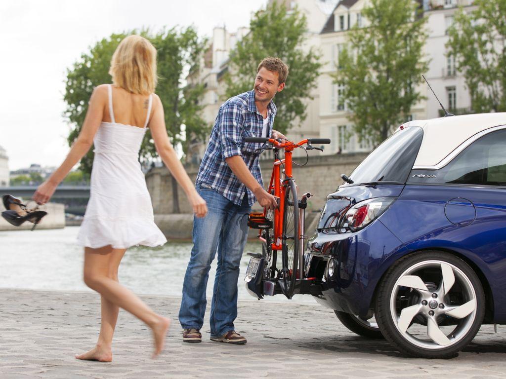 Opel Adam mit FlexFix-Fahrradträger