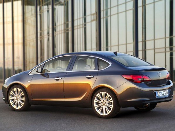 Opel, Opel Astra, MJ 2013, Opel Astra Limousine