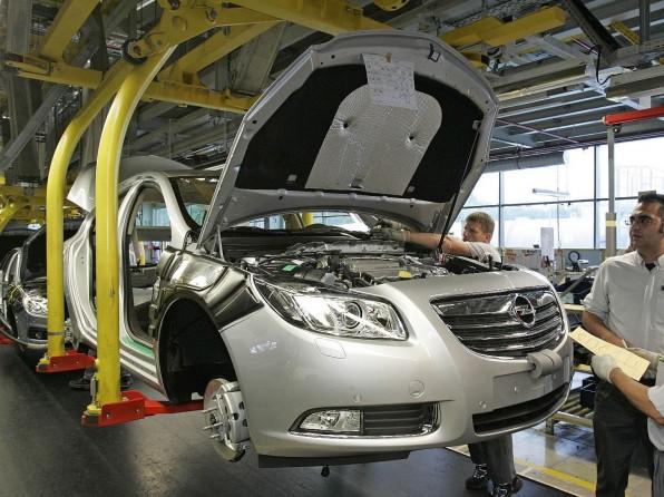 opel kurzarbeit opel1 596x446 - Kurzarbeit bei Opel – 20 Tage stehen die Bänder schneller still