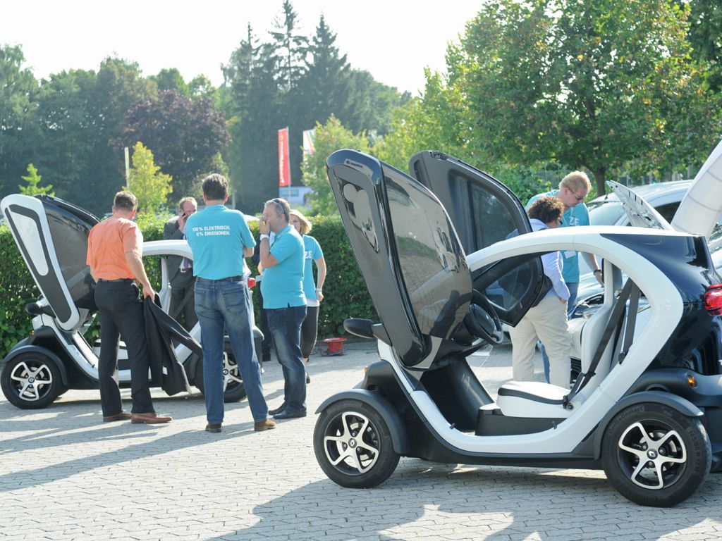 Elektromobilität: Sicherheit nach einem Unfall wird ein spannendes Thema