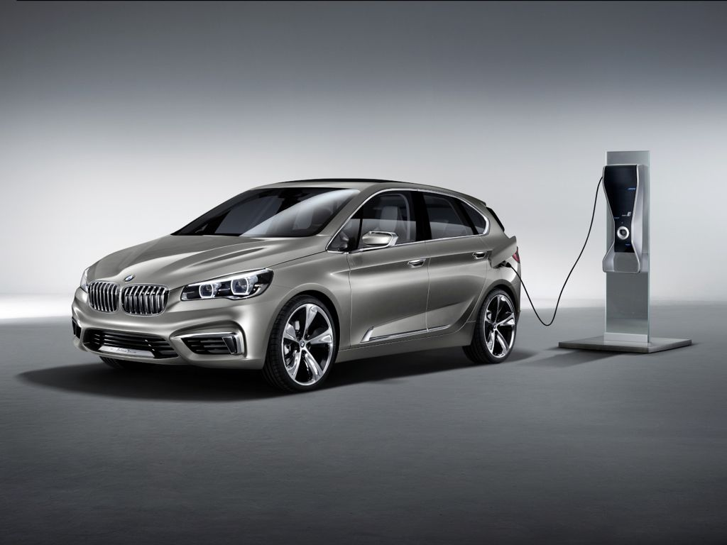 Paris 2012: BMW Plugin Hybrid Van Concept Active Tourer