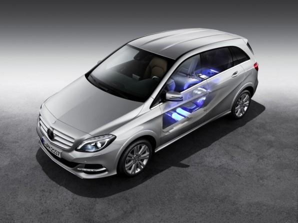 mercedes bent b klasse 2013 img 6 596x447 - Paris 2012: Premiere der Mercedes-Benz B-Klasse mit Erdgasantrieb
