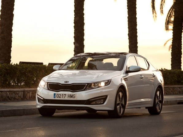 kia optima hybrid mj2013 img 08 596x447 - Kia Optima Hybrid (2013)