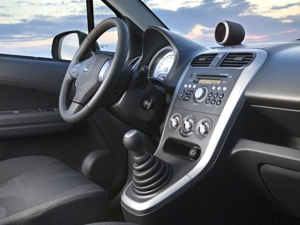Opel Agila Innenraum