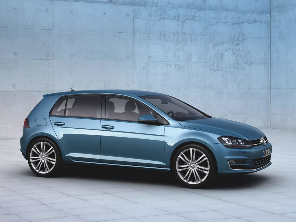 VW Golf 7 Trendline BlueMotion Technology 1,2 TSI mit 7 Gang DSG (2013 ...