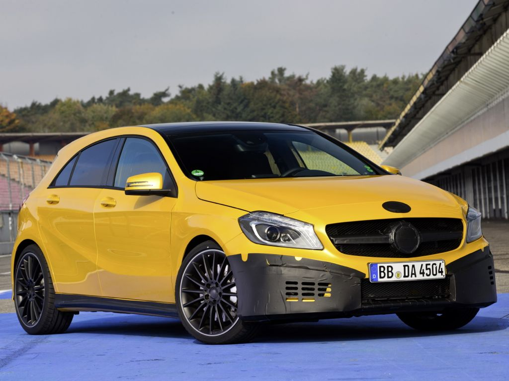 Mercedes-Benz A45 AMG leistet 350 PS