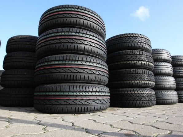 Der Wintercheck fürs Auto: Reifen, Bremse, Frostschutzmittel kontrollieren