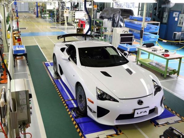 lexus lfa 1 596x447 - Produktion des Lexus LFA nach 500 Modellen eingestellt
