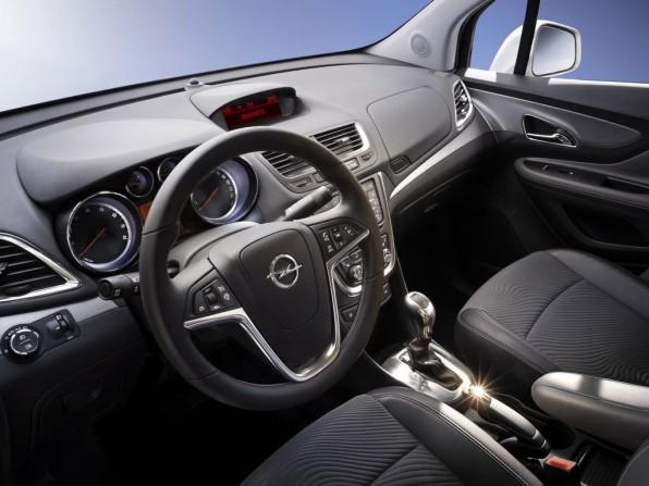 Opel Mokka Fahrzeugmaße und Kofferraum: Paßt der Kinderwagen rein?
