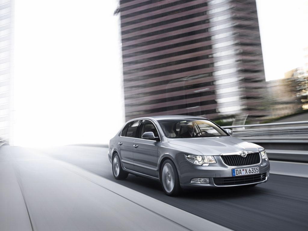 skoda superb limousine mj2012 img 081 - Skoda Superb Limousine (2012)