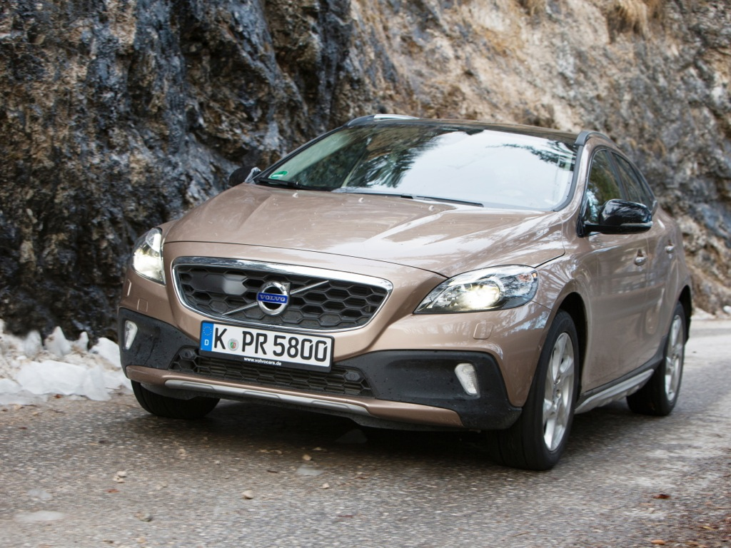 volvo v40 cross country mj2013 img 04 - Volvo V40 Cross Country (2013)