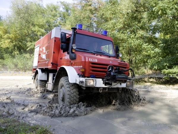 Unimog U 5000 als Aggregateträger für die Feuerwehr