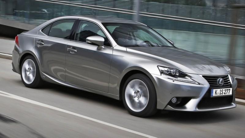 Hybridantrieb: Lexus erweitert mit dem IS 300h die Modellpalette