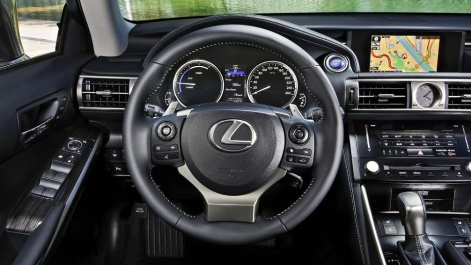 lexus is 300h mj2013 img 05 960x540 - Hybridantrieb: Lexus erweitert mit dem IS 300h die Modellpalette