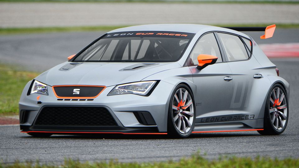 seat leon cup racer mj2013 img 01 - GTI Treffen 2013: Seat Leon Cup Racer - Rennbolide mit 330 PS
