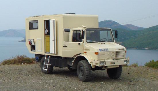 Orangework Unimog 1300L