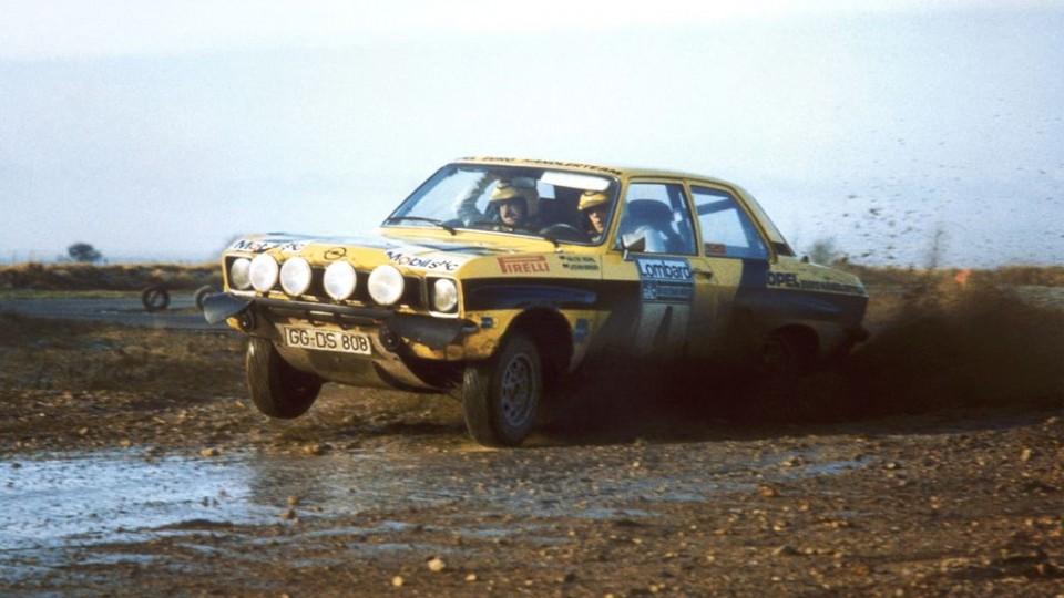 historische opel rally fahrzeuge 2 960x540 - ADAC Eifel Rallye Festival : Walter Röhrl im Opel Ascona 400 unterwegs