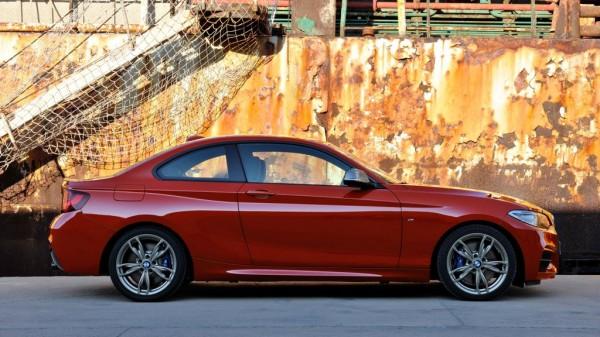 bmw 2er mj2014 img 03 600x337 - BMW M235i Coupé (2014)