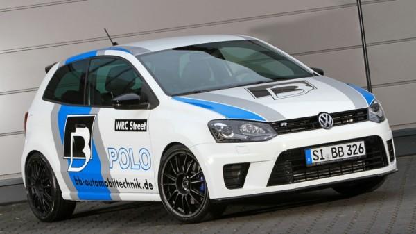 Die Entwickler von Volkswagen haben dem Volkswagen Polo R WRC Street 2.0 TSI ohnehin schon einen ordentlichen Motor mit einer anständigen Portion PS und Drehmoment verpasst. Bereits ab Werk bietet der kleineren Polo einer Leistung von 220 PS und ein maximales Drehmoment von 350 Newtonmeter. Der Tuner B&B aus Siegen liegt noch eine ordentliche Schippe obendrauf und erweitert das Motorenprogramm in vier Stufen auf eine Leistung von bis zu 362 PS oder maximales Drehmoment von bis zu 510 Newtonmeter.