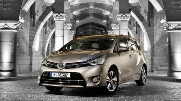 Toyota erweitert die Motorenpalette des Verso