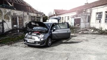 Abarth Competizione 27 Kopie 360x202 - Quirlige Knutschkugel: Neuer Fiat 500C 1.2 im Test