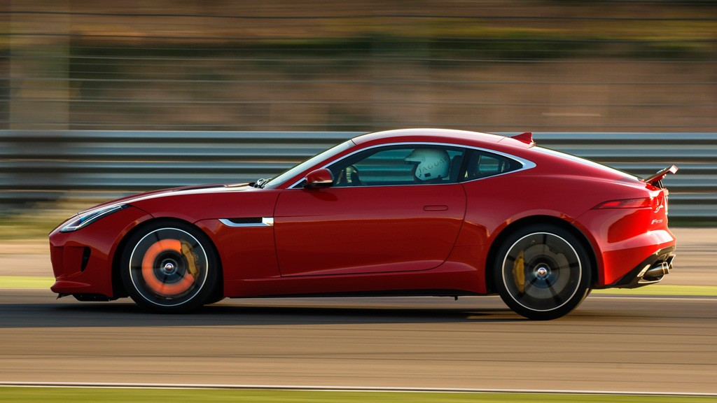 Jaguar F Type Coupe R - Jaguar F-Type R Coupe: Plant der englische Katzenproduzent eine noch leichtere Version?