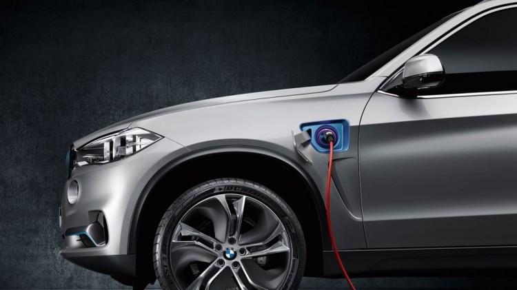 bmw x5 edrive mj2014 img 04 750x421 - New York Auto Show: Weltpremiere für das BMW Concept X5 eDrive