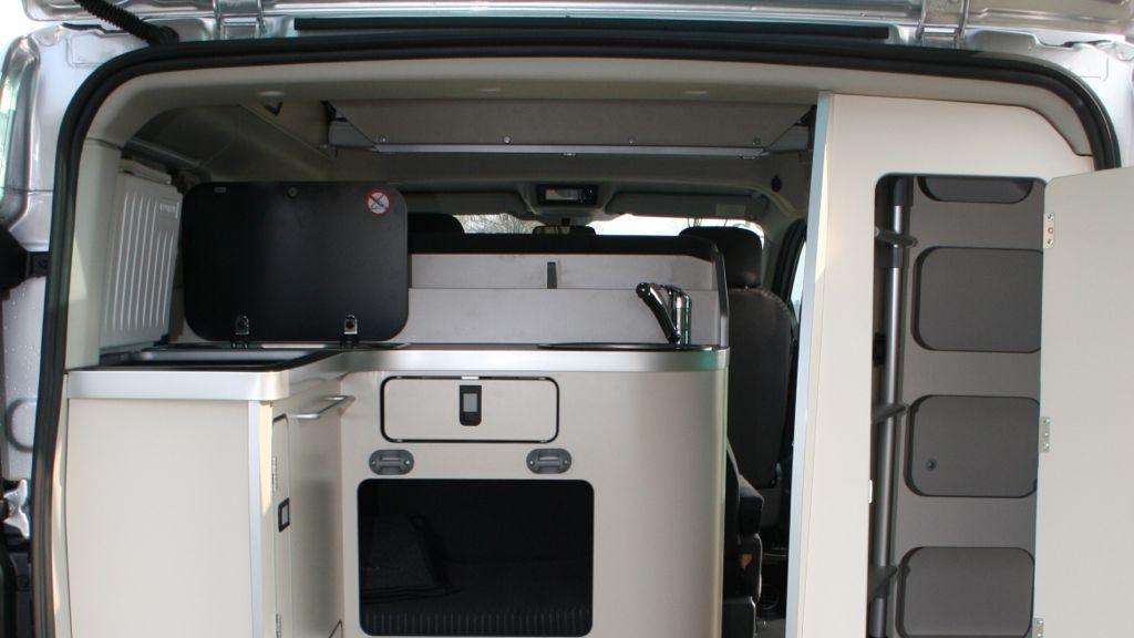 neuer ford nugget im schnelltest das k nnen sie vom neuen modell erwarten das. Black Bedroom Furniture Sets. Home Design Ideas