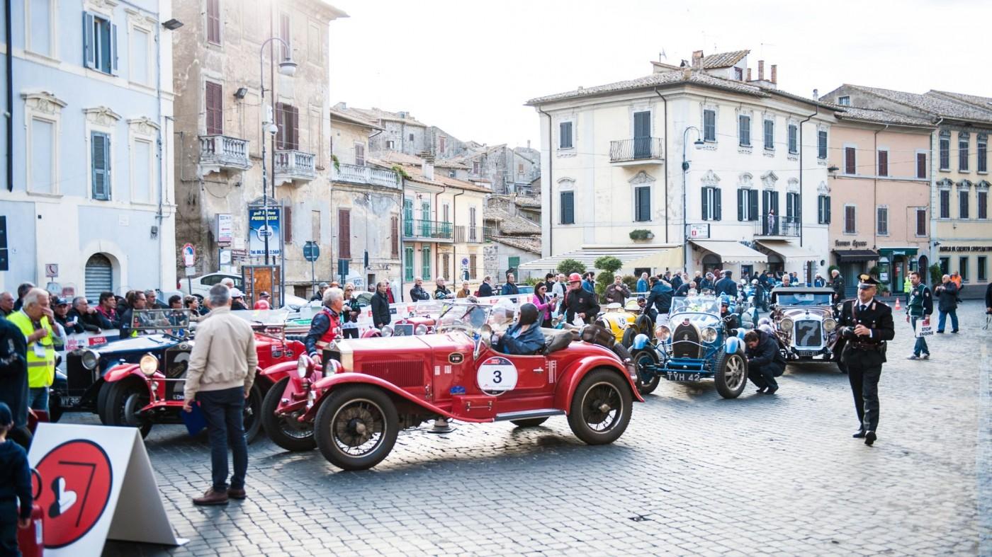 DSC 6829 1400x787 - Mille Miglia 2014: Wie die 1000 Meilen wirklich sind und warum Jay Leno im Liegen fährt