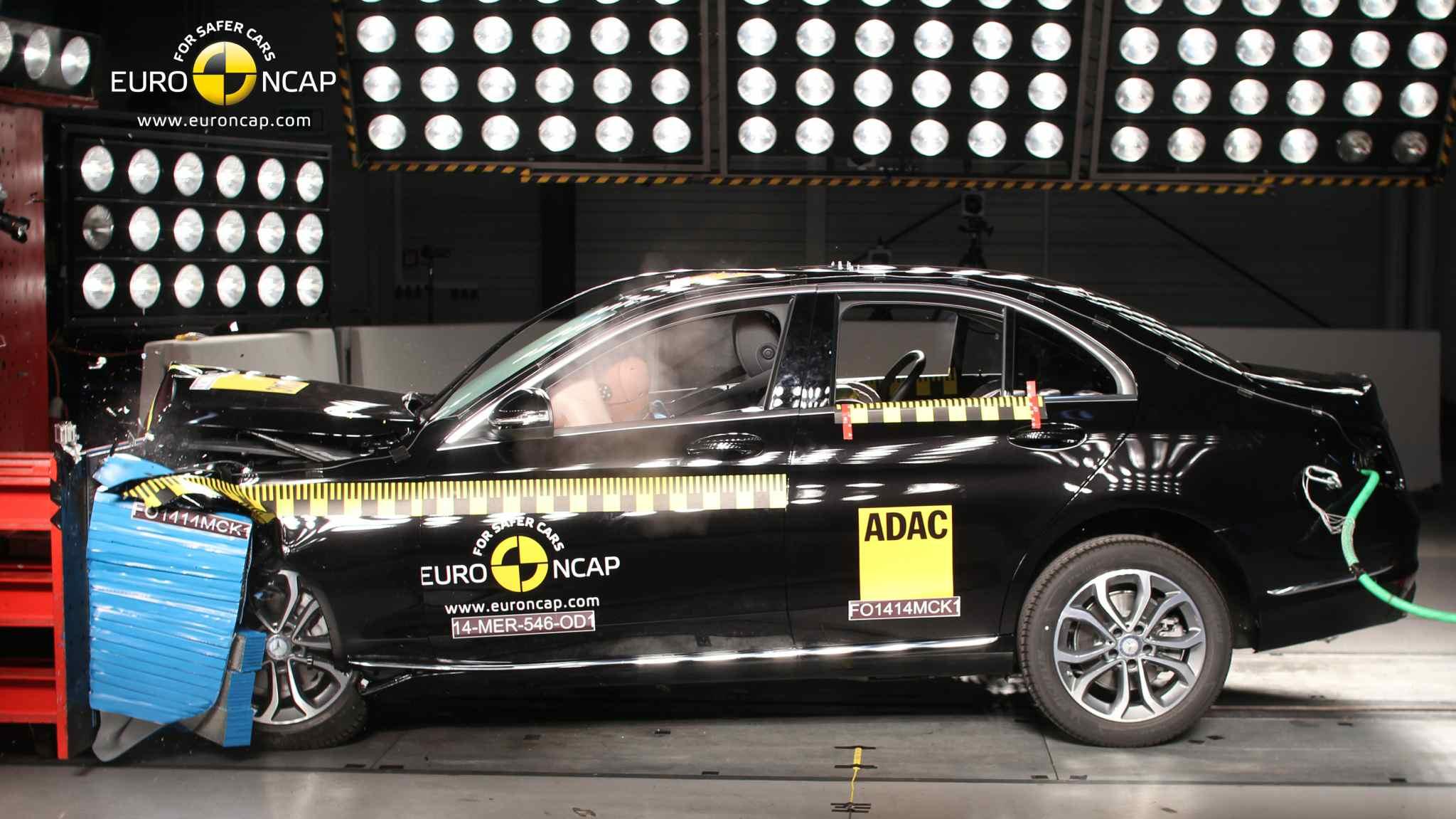 Mercedes C-Klasse mit 5 Sternen im NCAP-Crashtest