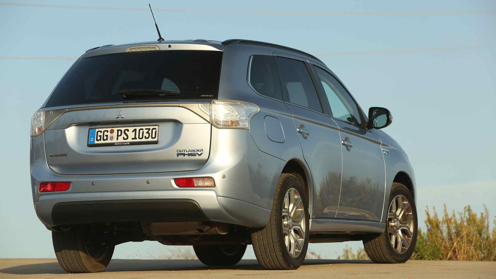 Test Mitsubishi Outlander Plug-In Hybrid-SUV