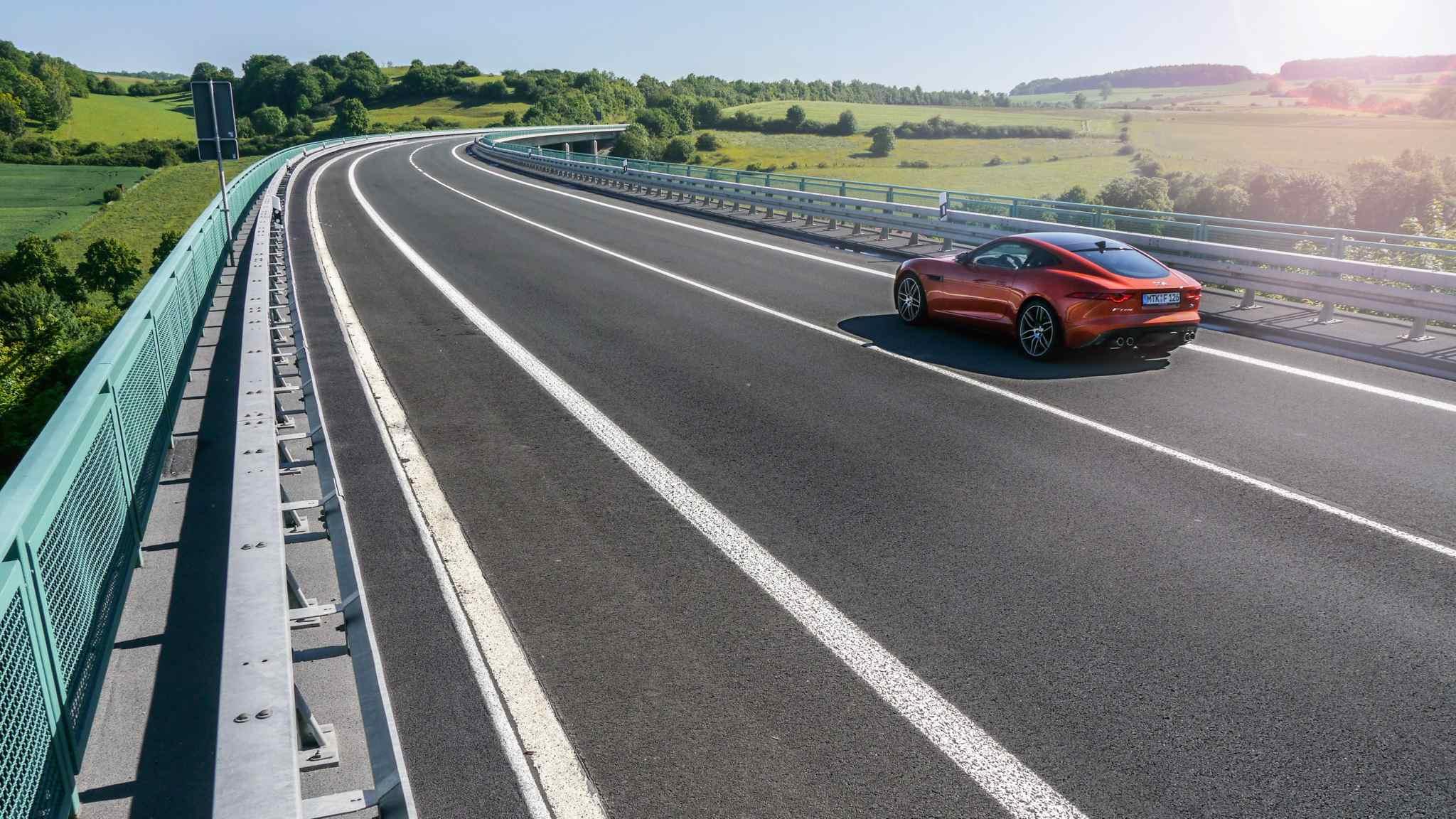 P1120526 - Jaguar F-Type R Coupé im Test: Diese Wildkatze ist alles andere als gezähmt!