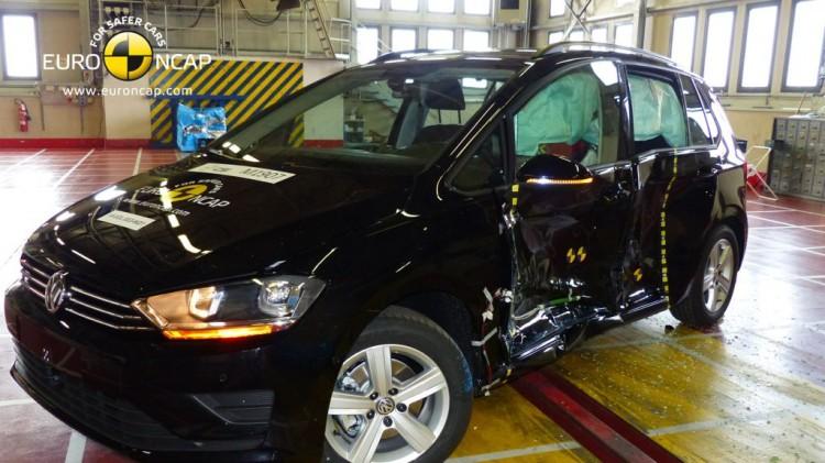 Neuer Golf Sportsvan mit 5 Sternen beim Euro NCAP Crashtest