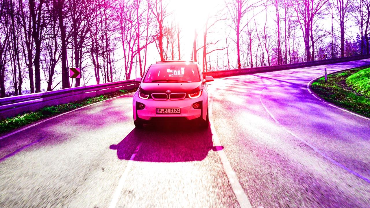 BMW i3 Colour - BMW i3: Lautlose Spannung, die einen nicht loslässt.