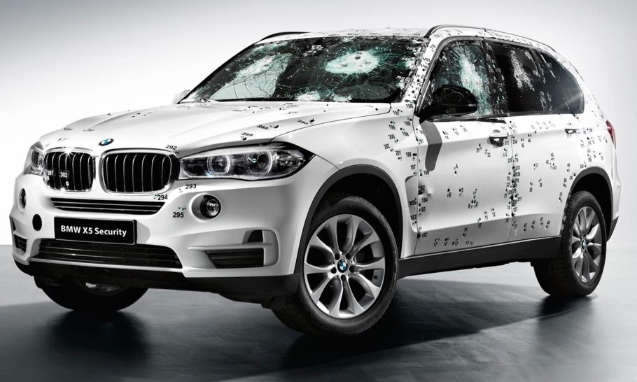 BMW X5 Security Plus 2 - BMW X5 Security Plus Panzerung: Keine Angst vor der AK-47!