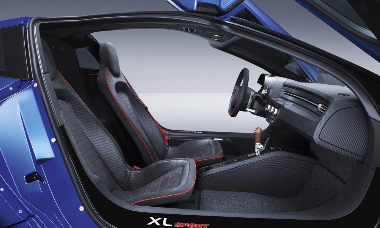 Volkswagen xl sport mit 890 kilogramm auf 270 km h for Interieur sport youtube
