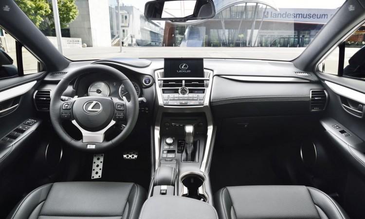 Lexus NX (2015) Interieur