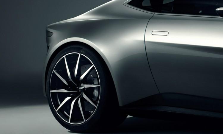Extrem kurzer Überhang am Heck des Aston Martin DB10