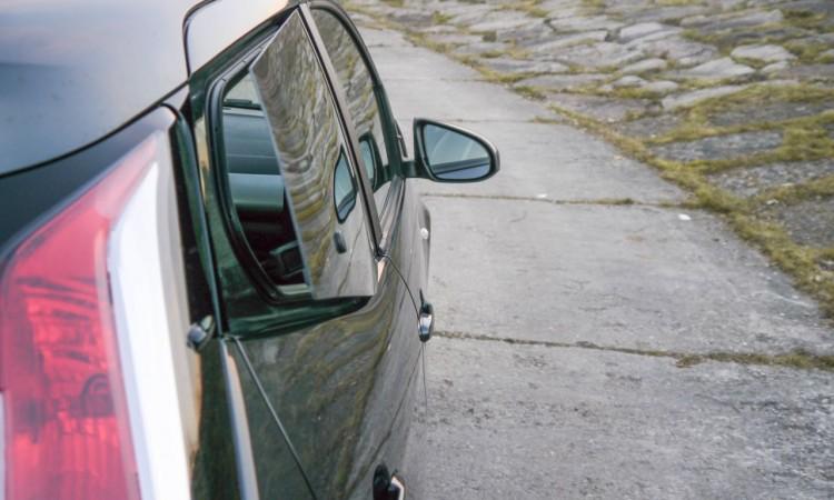 Die ausklappbaren hinteren Seitenfenster  des Toyota Aygo