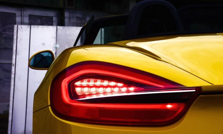 Porsche Boxster S Heckleuchten und Spoiler