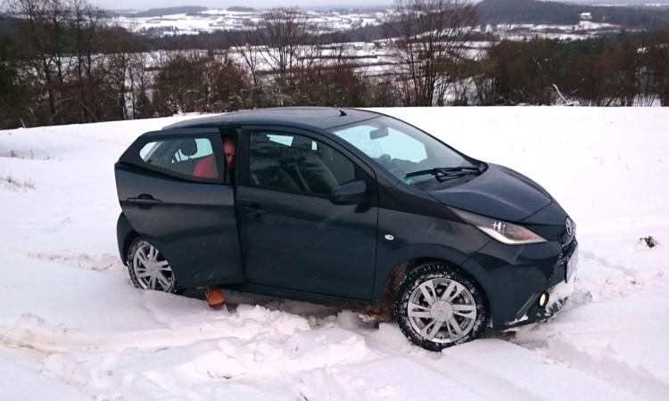 Toyota Aygo im Schnee 750x450 - Fahrbericht Toyota Aygo: Kleinstwagen im Schnee – ja klar!