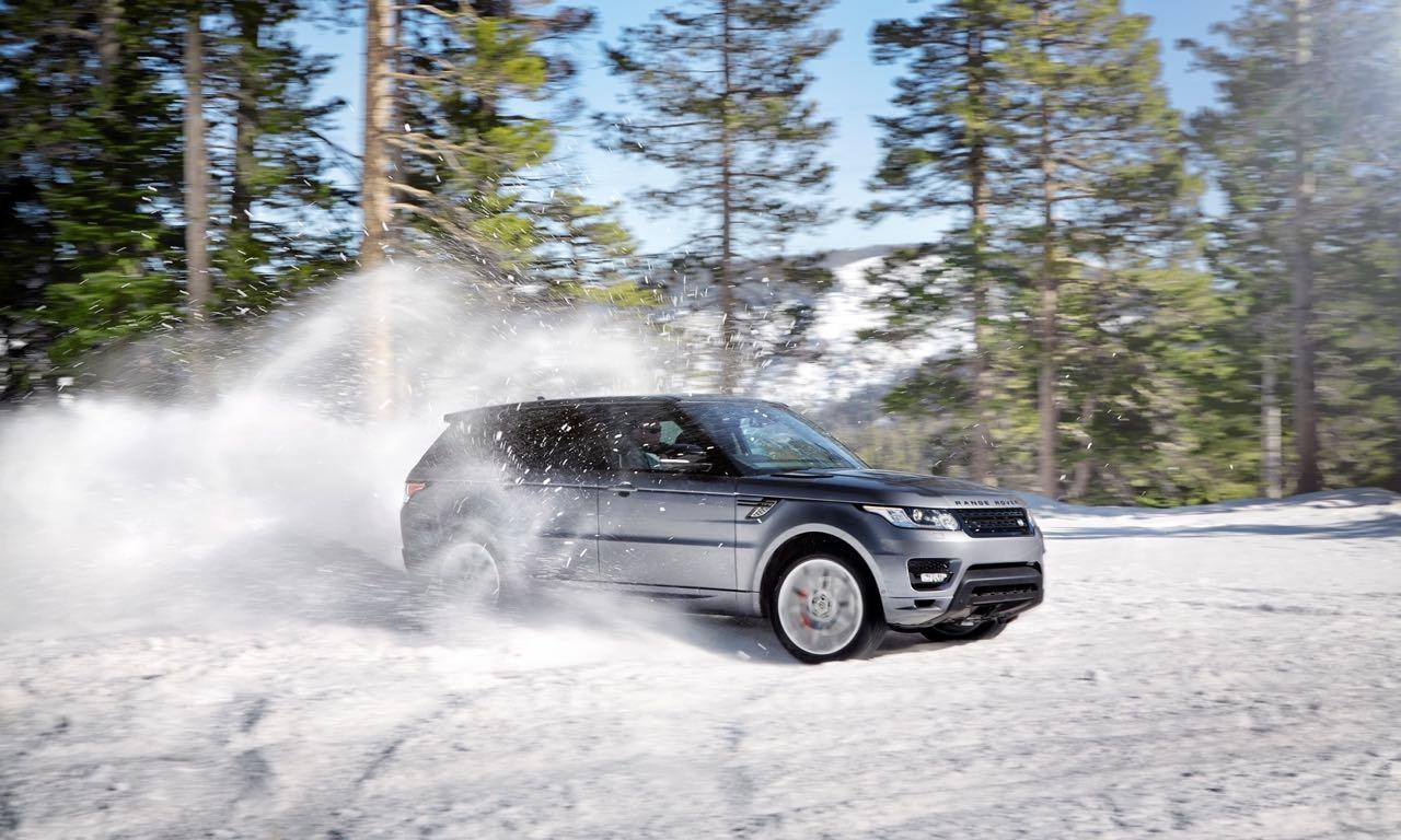Wintermythen Autos: Land Rover Range Rover im Schnee